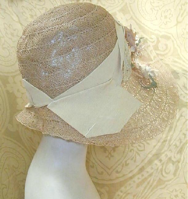 1920 s Flapper Cloche Hat   Film Noir Hat - Journey With A ... db7e9d7aa0d